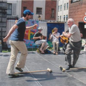 Máirtín de Cógáin-dancing